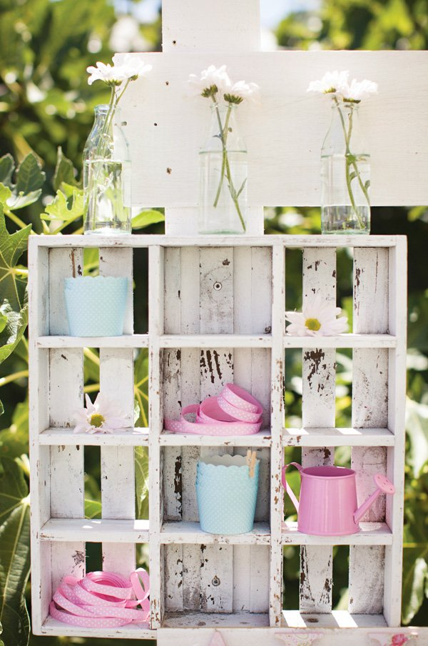 garden party shelves