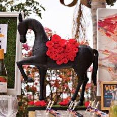 Kentucky Derby Centerpiece - Garland of Roses Horse