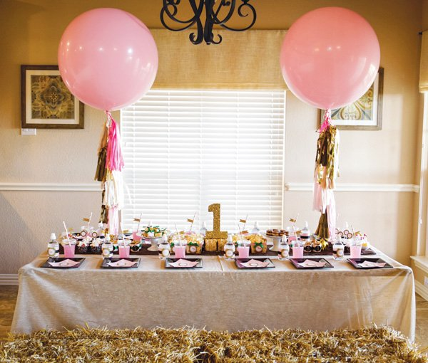 haystack cowgirl party table seating