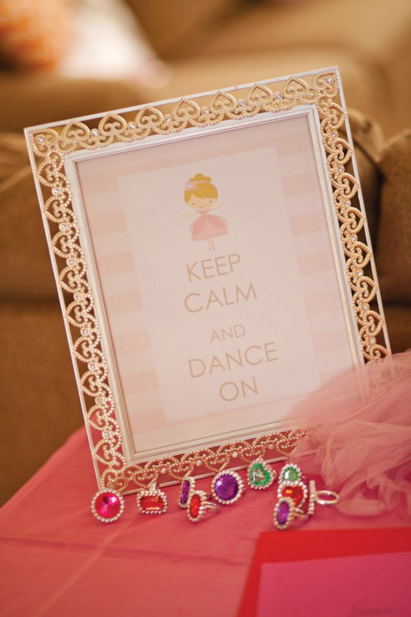 keep calm and dance sign