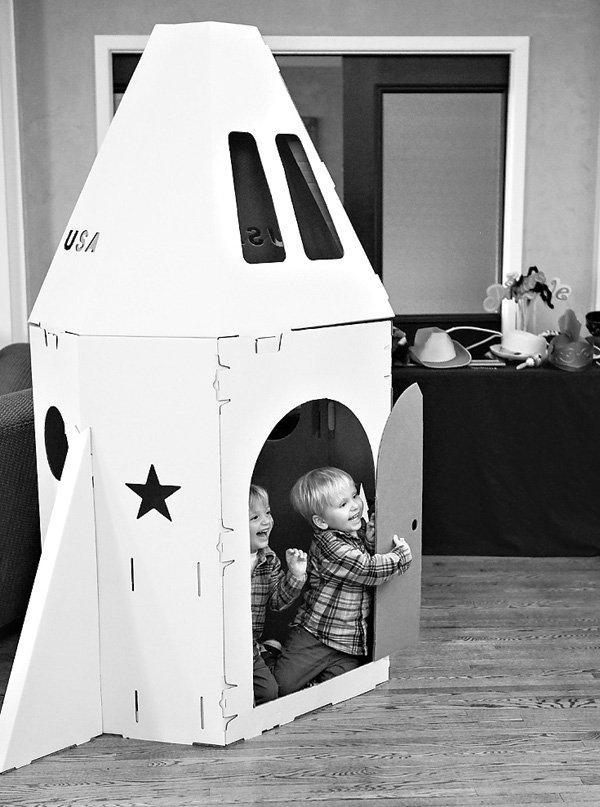 kids party spaceship