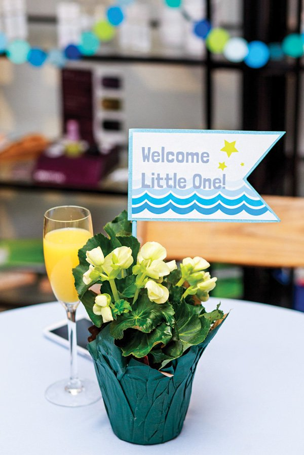 welcome little one table centerpiece