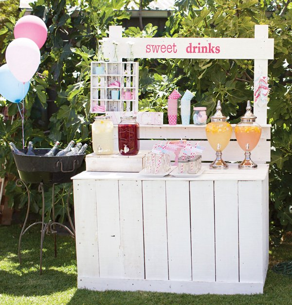 outdoor drinks stand station
