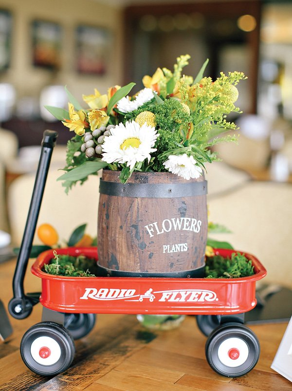reg wagon and barrel floral centerpieces