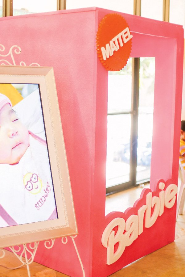 DIY barbie doll box photo booth