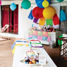 art party crafting table for kids