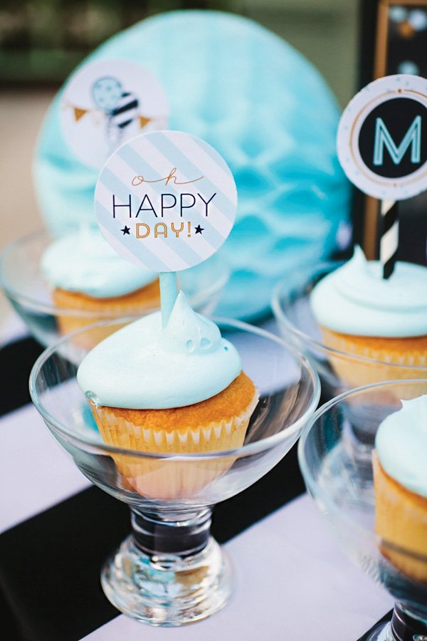 blue frosted cupcakes