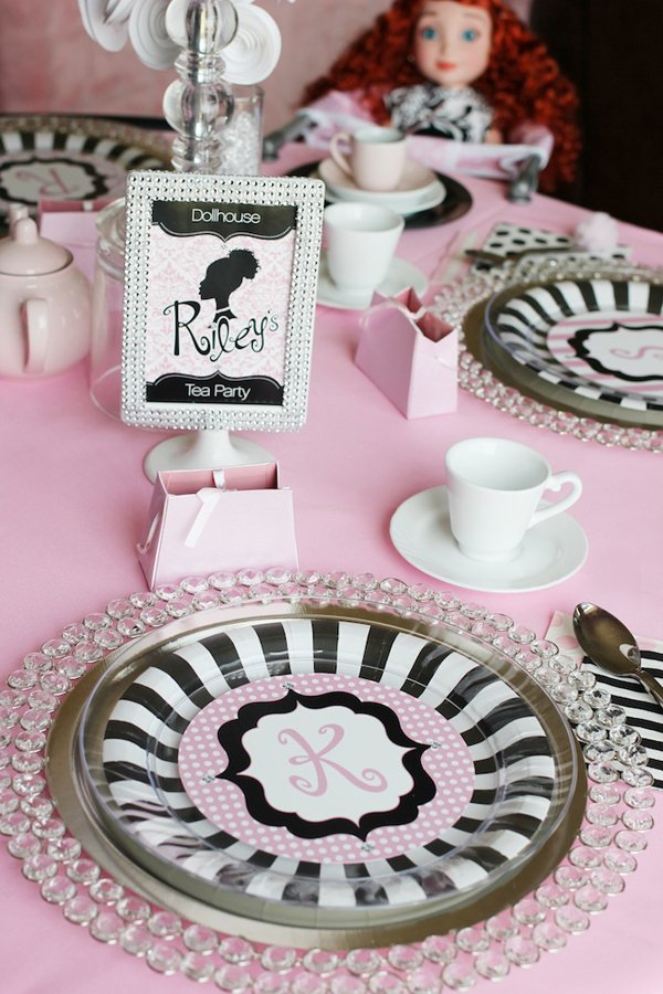 dollhouse-tea-party