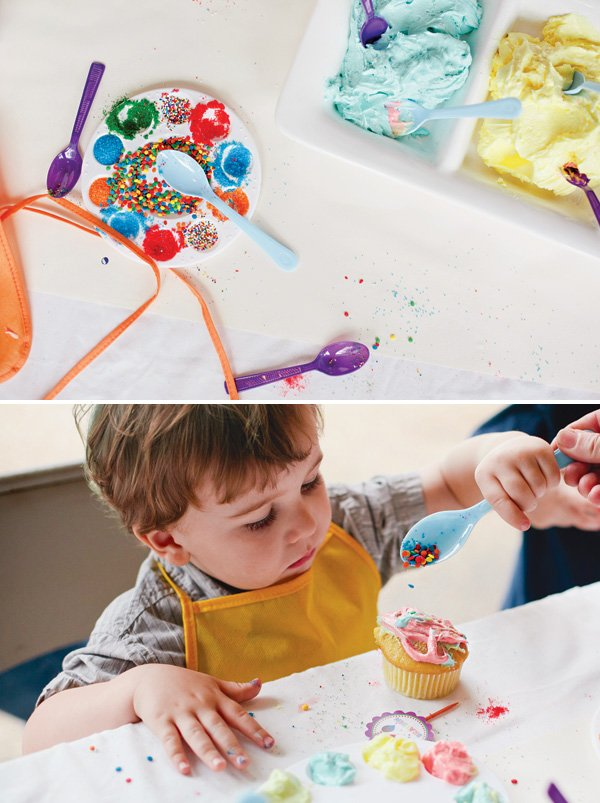 kid's cupcake decorating party activity