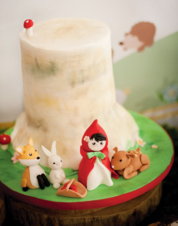little red riding hood birthday party cake