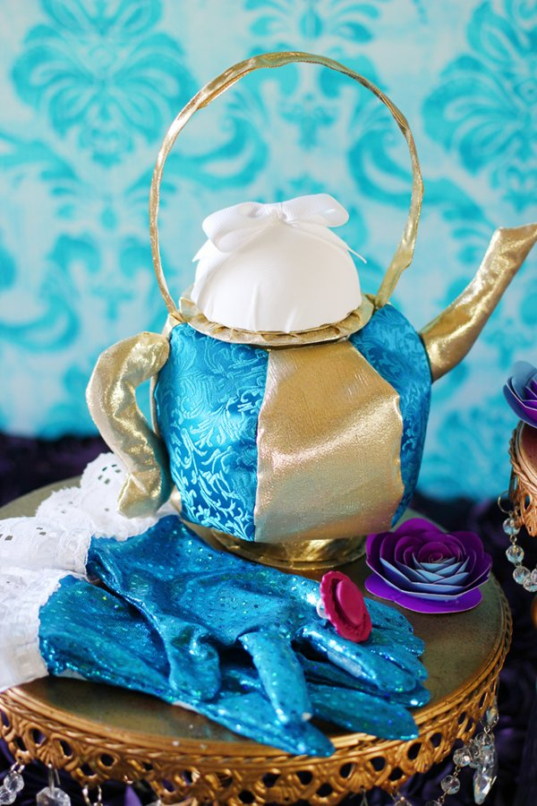 mad-hatter-tea-party-accessories