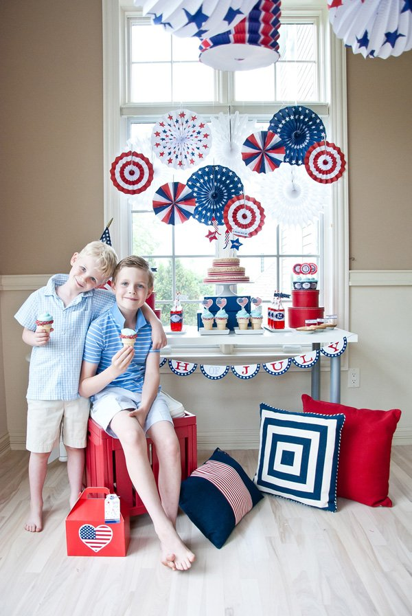 independence day dessert table