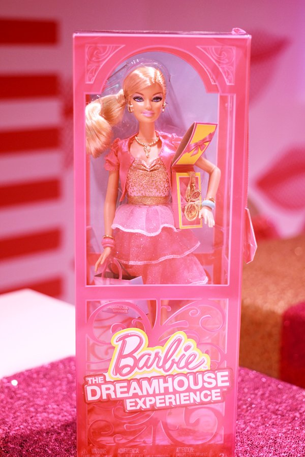 Barbie-Dreamhouse-Barbie-Doll