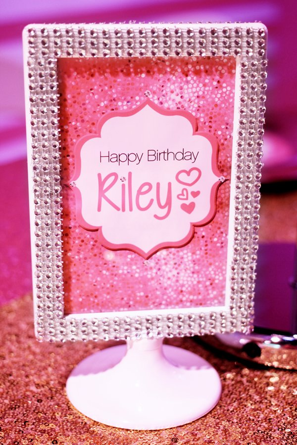 Barbie-Printables-Table-Sign