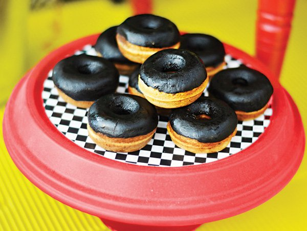black frosted tire wheel doughnuts