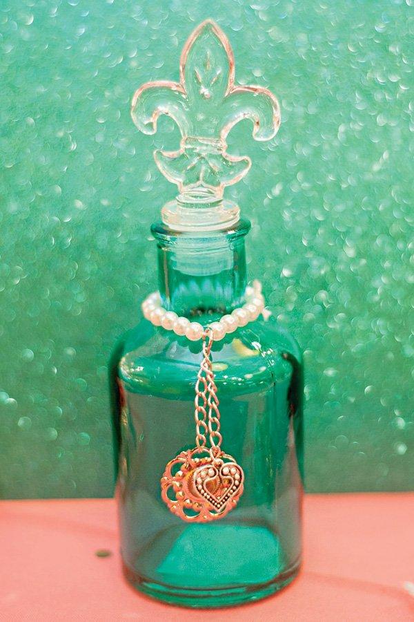 fleur de lis green bottle party decor