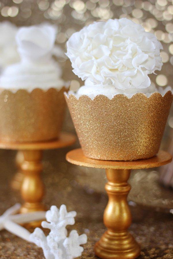 gold-cupcake-stand