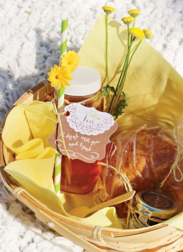 picnic basket food for a sound of music party