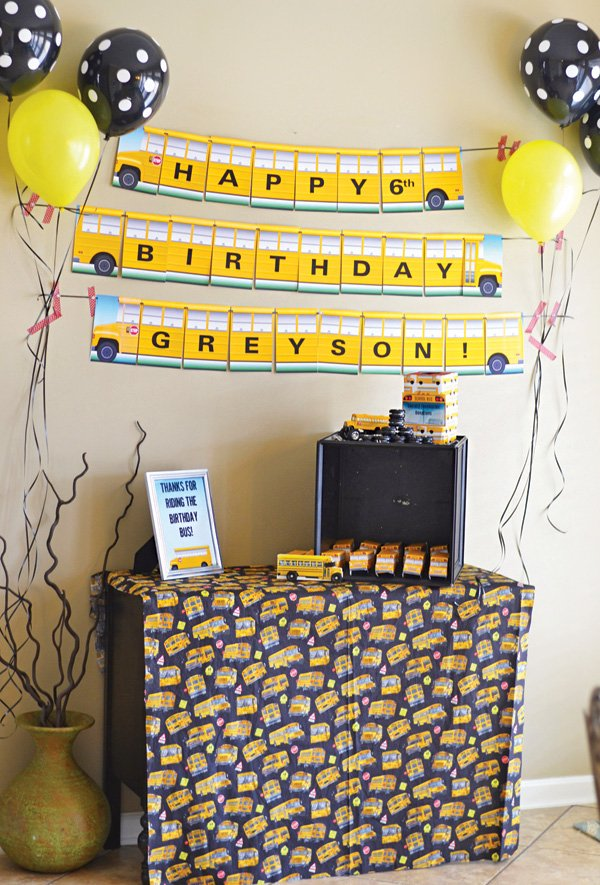 school bus party favors table