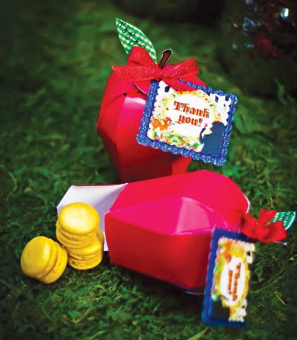 snow white origami apple party favor boxes
