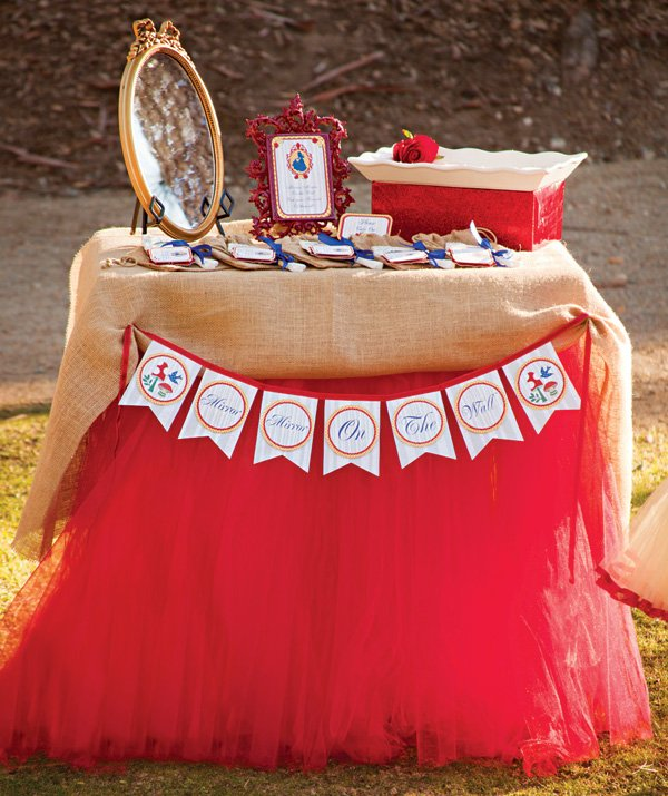 snow white magic mirror party favor table