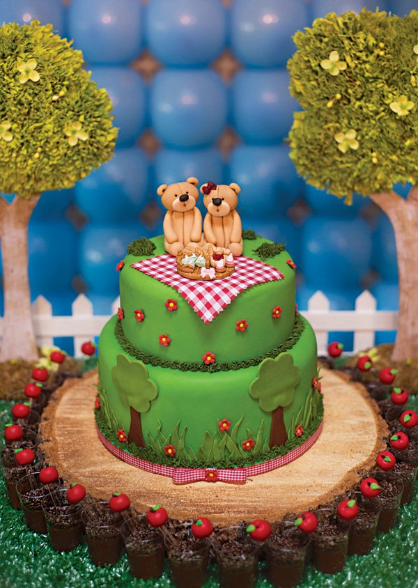 teddy bear picnic birthday cake
