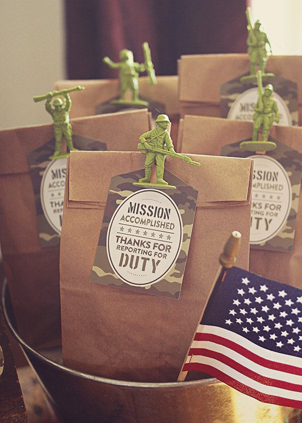 toy soldier party favors