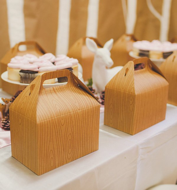 wood grain lunch gable boxes