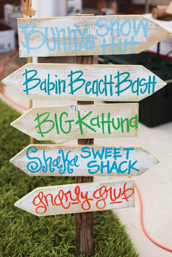 DIY party arrow signs