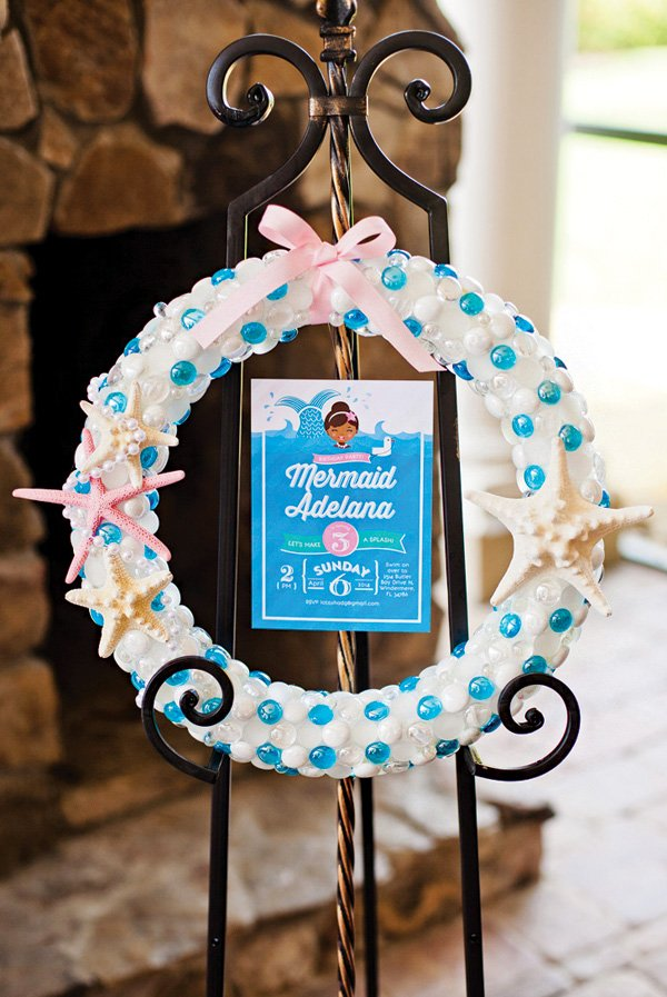 DIY under the sea birthday party wreath