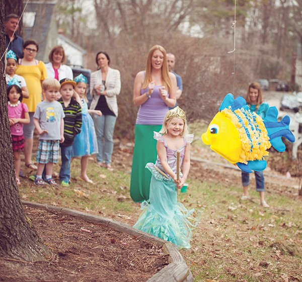 DIY little mermaid flounder piñata