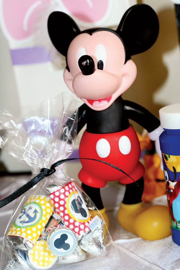 mickey mouse chocolate party favors