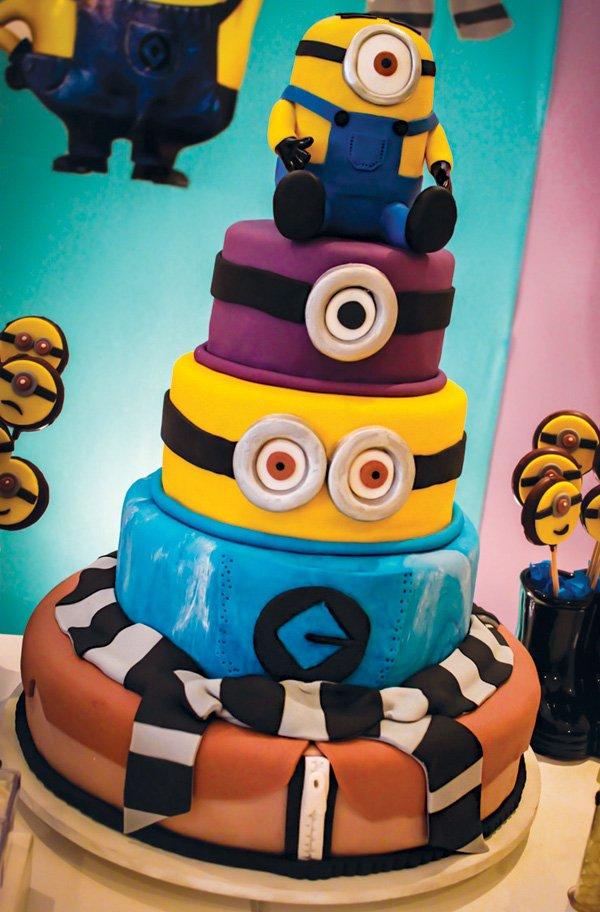 amazing minion birthday cake