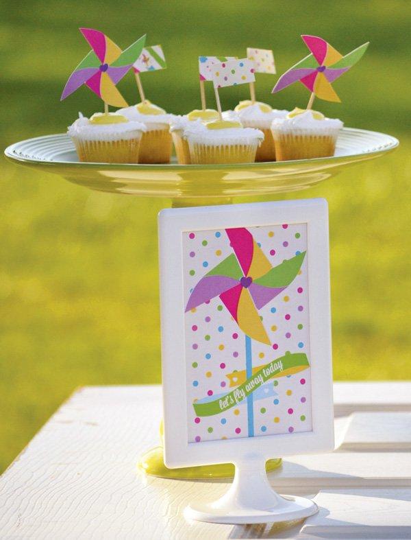 pinwheel topped cupcakes