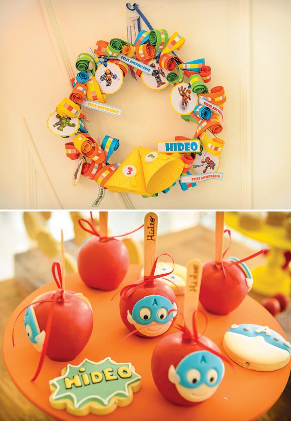 superhero birthday party wreath