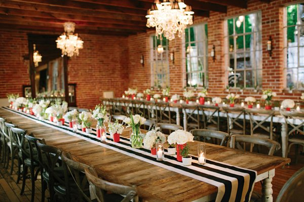 modern rustic wedding tablescape