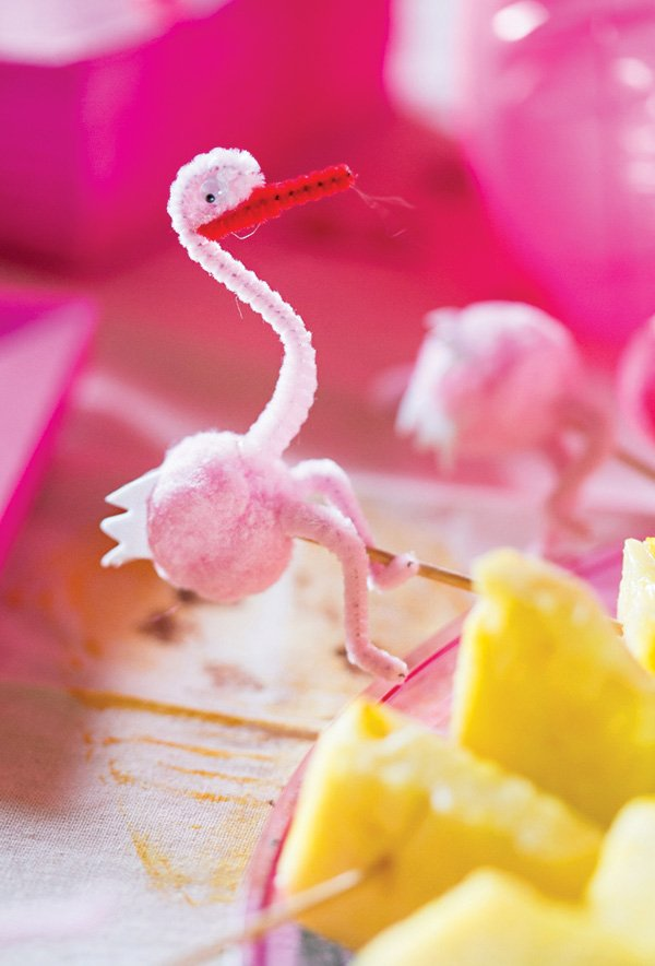 DIY pipe cleaner flamingo