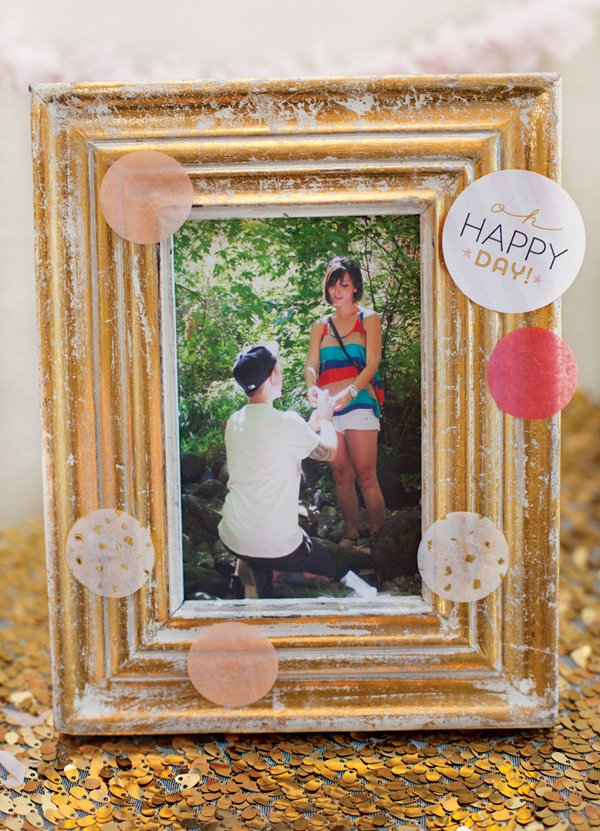 diy tissue confetti frame - pink and gold