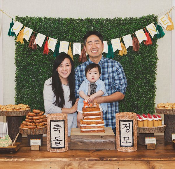 first birthday party family photo shoot