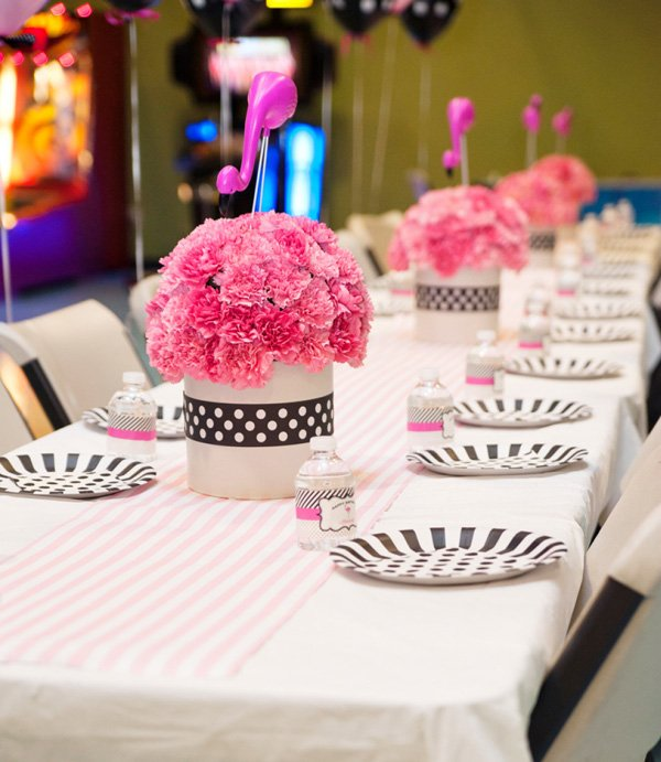 flamingo birthday party table