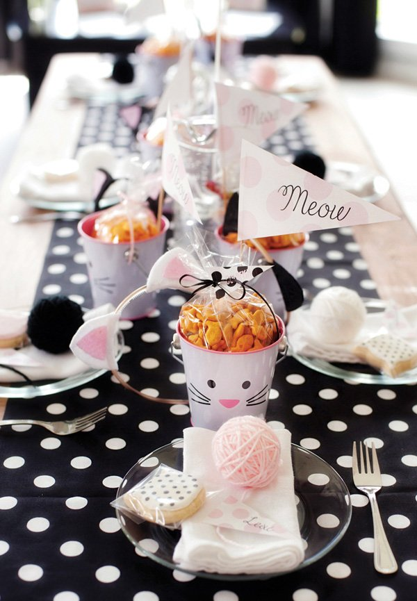 kids' kitty cat birthday party tablescape