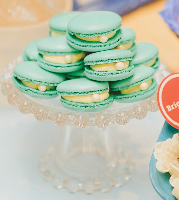 oyster pearl macarons