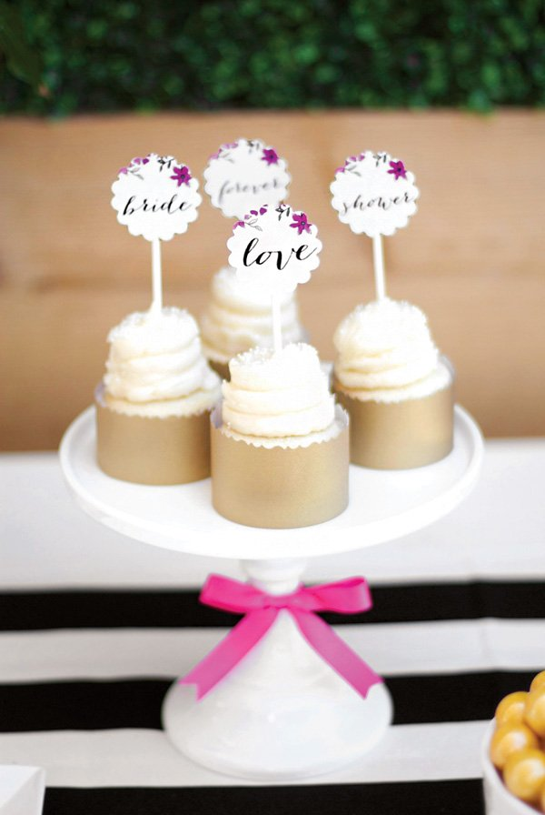 scalloped 'love' party circle topped cupcakes