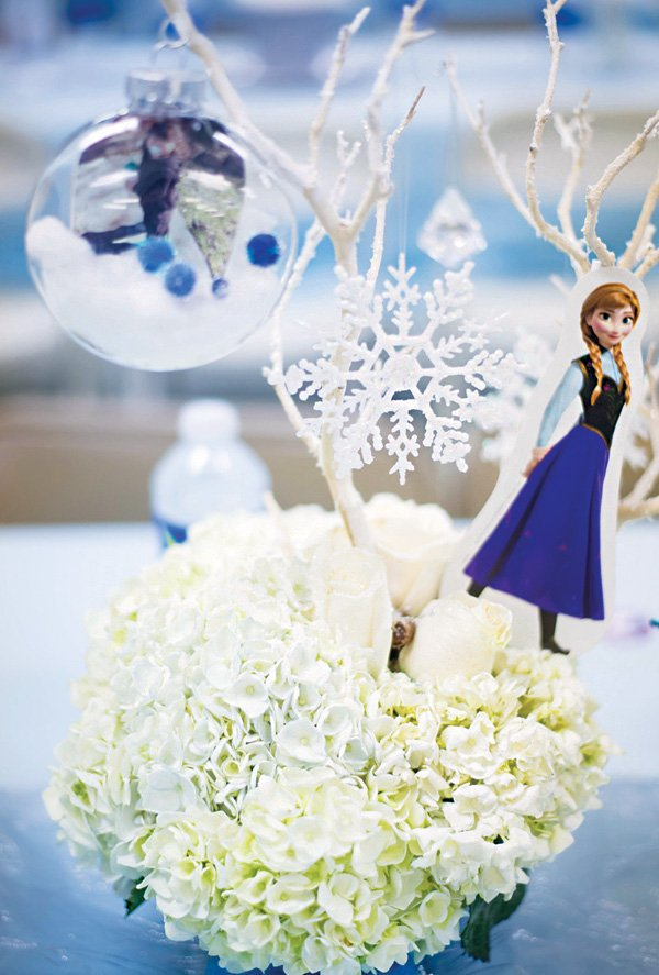 DIY frozen floral centerpieces with snowflakes and silhouettes