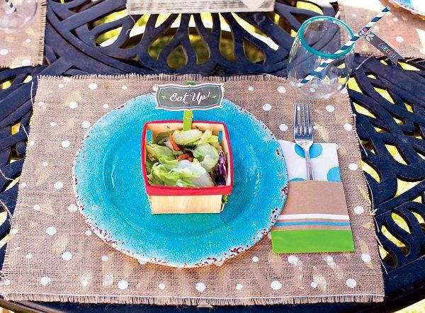 DIY burlap party placemats