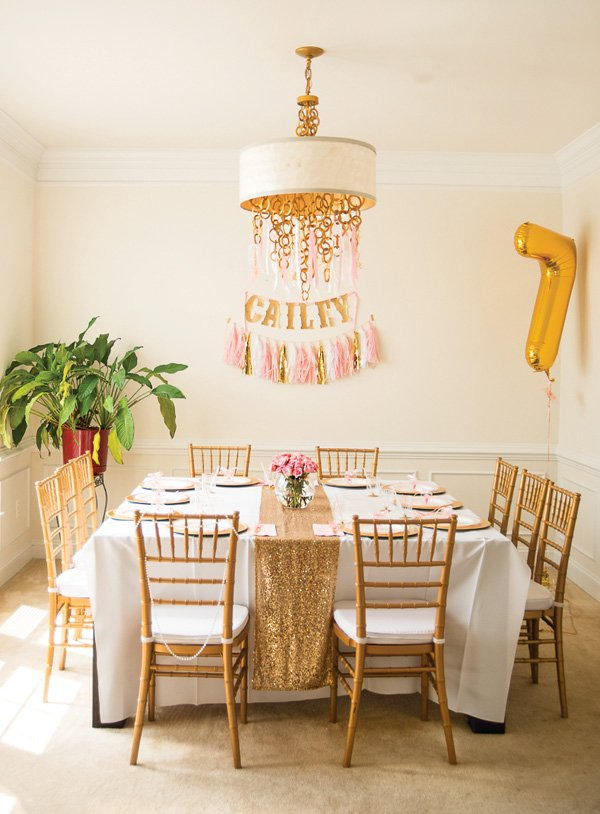 gold glitter table runner and tabalescape