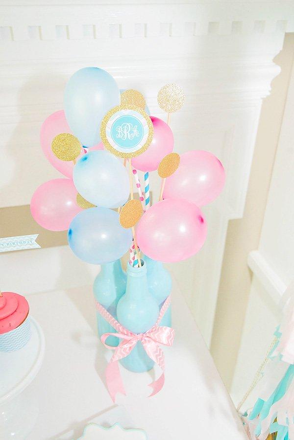 diy balloon party table centerpiece