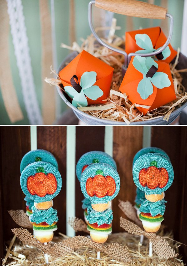 pumpkin favor boxes and candy skewers