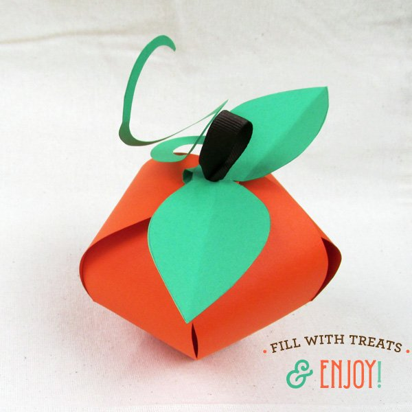 finished pumpkin favor boxes