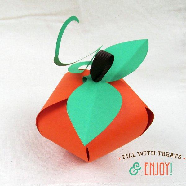 finished pumpkin favor boxes